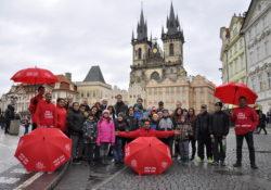 """Unikátní turistická služba: autobusové turistické prohlídky Prahy """"Bus Tour 4 Charity""""."""