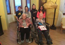 Senioři se setkali s dětmi z dětských domovů a vzniklo nové přátelství!