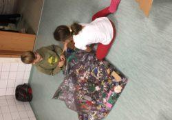 Robin Hood může díky organizaci Helping Hands a společnosti DHL opět pravidelně pomáhat v dětských domovech